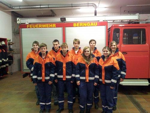 Neue Jacken für die Jugend der Feuerwehr Berngau