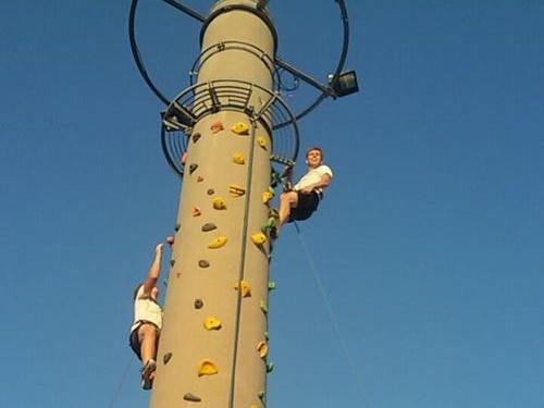 Jugendgruppe war klettern