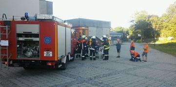 Übung der Feuerwehrjugend mit dem Zug 2