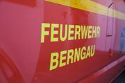 22. Brand Traktor auf Wiese, Nähe Neuricht