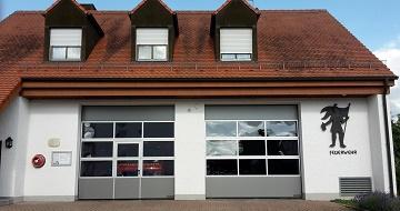 Neue Tore für das Feuerwehrhaus